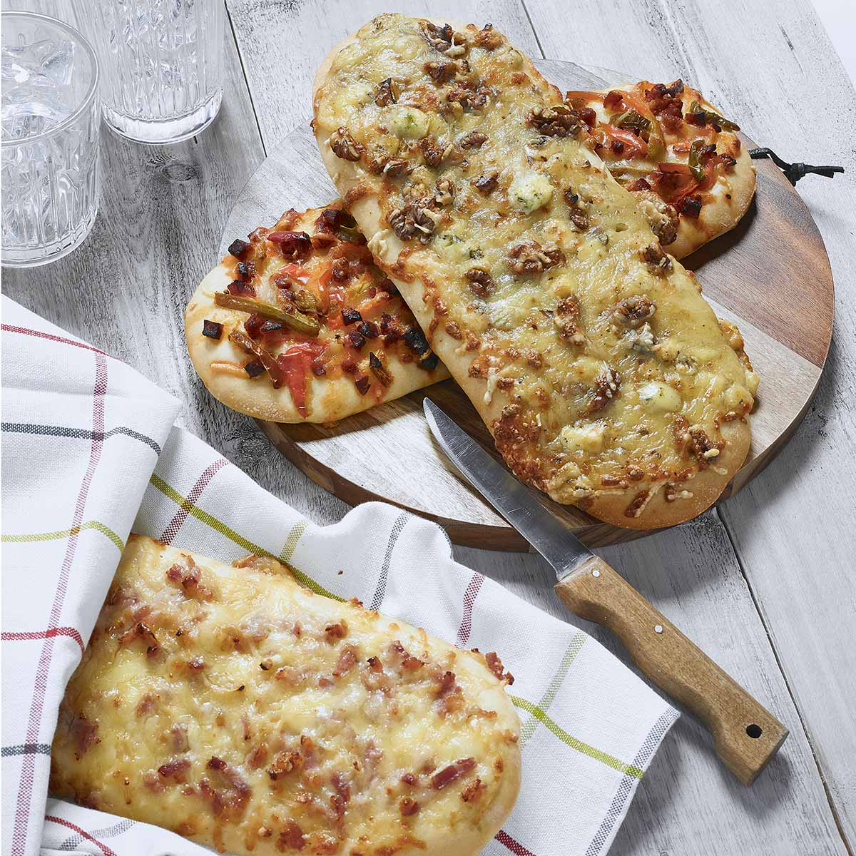 Fourme d'Ambert AOP cheese and walnut fougasse